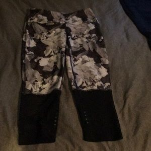 women's black and white rose capris with mesh